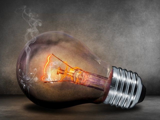 De ce trebuie reciclate becurile si neoanele arse
